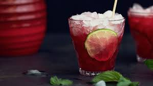Johannisbeer-Minze-Drink