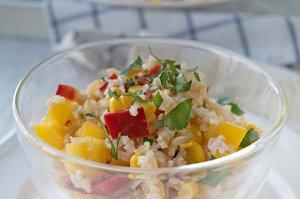 Reissalat mit Peperoni und Apfel