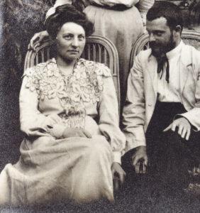 Lily und Paul Klee nach der Ziviltrauung, Bern 15.9.1906